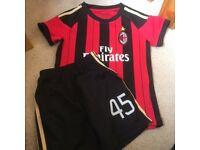 AC Milan Football strip - Age 5.