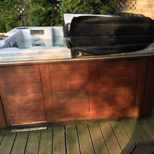 Free 6 Seater Coast Hot Tub - for fixing or parts!