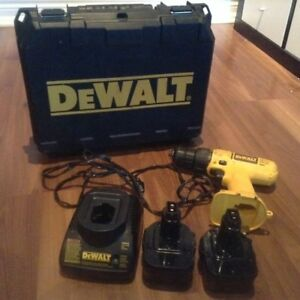 Dewalt DW907 12V Cordless Drill, Charger and Two Battery Paks