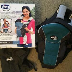 CHICO baby 2 way carrier in excellent condition, bag included