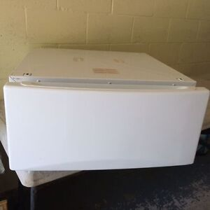 Drawers/stands for washer & dryer