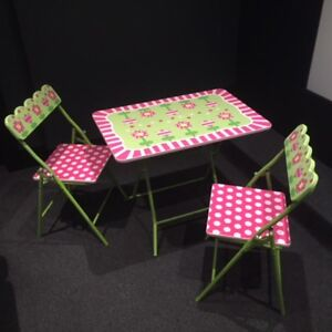 Kids collapsible wood table and chairs set