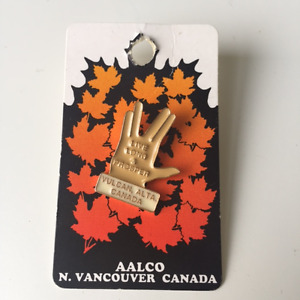 MORE miscellaneous vintage finds (souveniers, pins, magnets) Kitchener / Waterloo Kitchener Area image 5