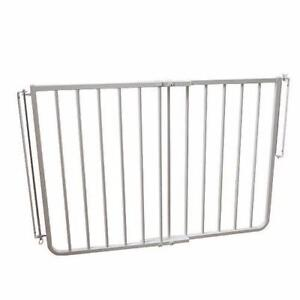 New, Cardinal Gates SS-30 27- 2.5 inch Stairway Special Safety Gate - White (open box) *PickupOnly PU1