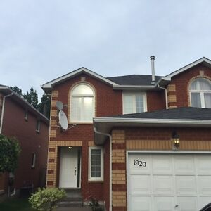 ...Stunning 3 Bed 3 Bath - Semi Detached House - 1929 PineGrove