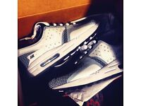 Size 5.5 Brand new never worn Nike air max zero essential