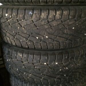 1 SET OF 4 LT 265 75 R18 WINTER TIRES 60% 10 PLY