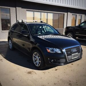 2012 AUDI Q5 AWD PREMIUM PLUS **Non-Smoking, Well Maintained**