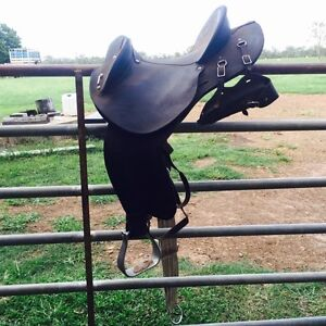 Toowoomba Saddlery Stock Fender Special Rosedale Gladstone Area Preview