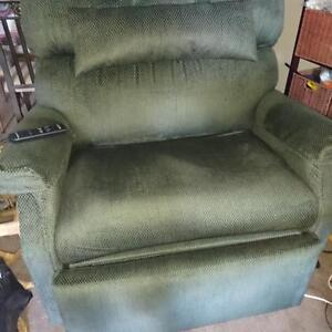 BRAND NEW HIGH CAPACITY LIFT CHAIR FOR SALE