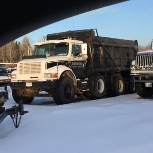 1999 International 4900 Triaxle