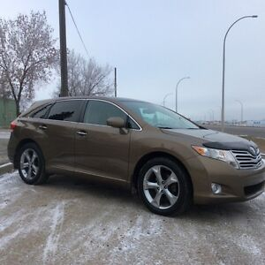 2010 Toyota Venza, LIMITED-Pkg, AUTO, AWD, LEATHER/ROOF, $12,500 Edmonton Edmonton Area image 3