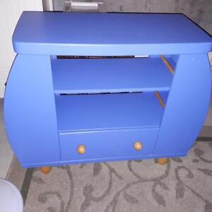 Kids Ikea bookshelf