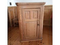 Antique Pine Cornerpiece Unit