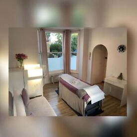 Enjoy a Professional Massage Experience. Few Minutes from Shepherd's Bush Station!!