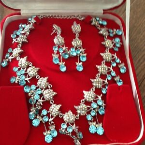blue and silver jewelery set, indian jewelery
