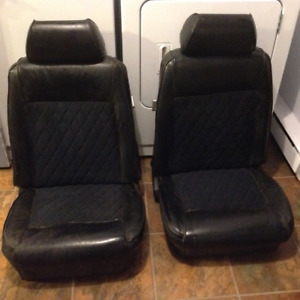 1969 Mustang seats with head rests