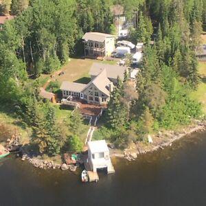 Beautiful, Modern, 7-Bedroom Luxury Lakefront Property