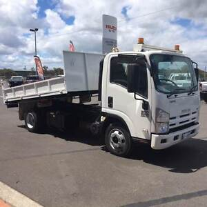 2011 Isuzu NPR 300 Crane Truck, Tipping Tray, 4x2 Picton Bunbury Area Preview