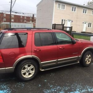 2004 Ford Explorer SUV, Ready to drive away