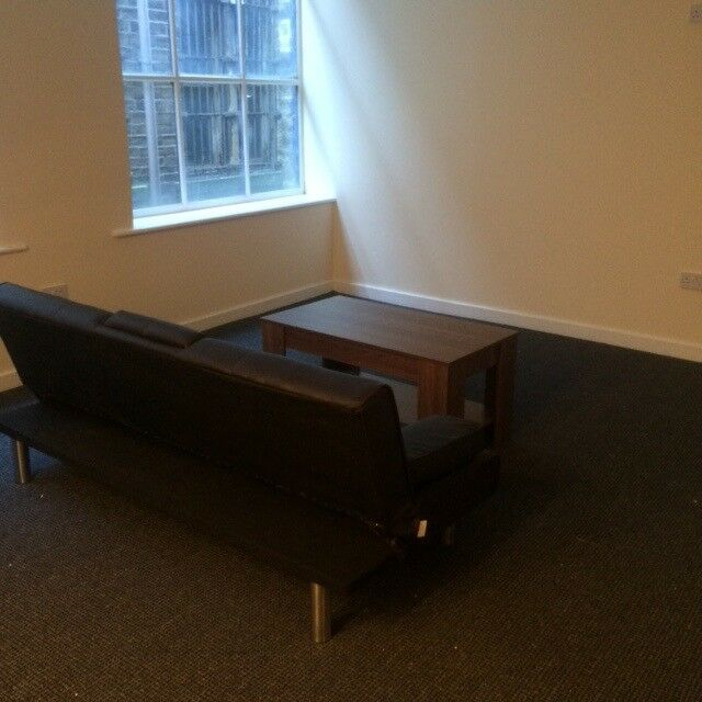 ***LUXURY FULLY FURNISHED, 1 BEDROOM APARTMENT, RAWSON PLACE,