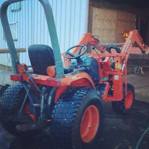 1999 Kubota Compact Tractor B1700 17 hp w Loader/ Mowing Deck