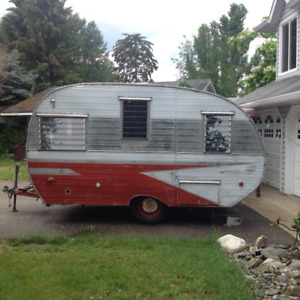 Vintage Cardinal Travel trailer (1959)