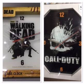 NEW The Walking Dead / Call Of Duty glass clocks for sale