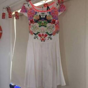 White and Floral Ally Fashion dress, Size 8 Ardlethan Coolamon Area Preview