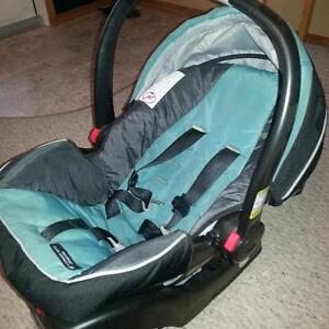 Graco Carseat - SnugRide Click Connect 35