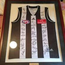 Collingwood Football Club 2004 Signed and Framed by team. Parkdale Kingston Area Preview