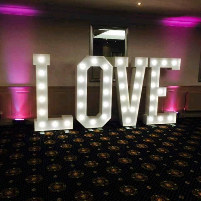 New 5ft love letters