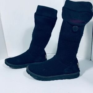 UGG - AUTHENTIC - woman boots size 9 US or 40 EU
