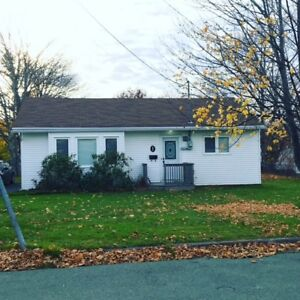 1 Dawe's Ave – Modern 2 Bdrm Bungalow in Great East End Loca