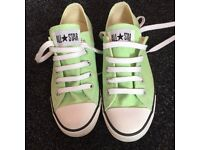 Size 4 Ladies Green Converse