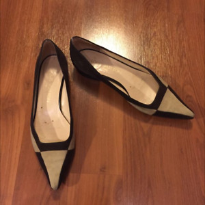 Louis Vuitton Suede Flats - Sz 36 - Authentic