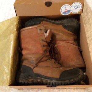 *AUTHENTIC* UGG® Women's Adirondack II Boots