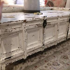 ANTIQUE COFFEE TABLE/TRUNK FROM RAJASTHAN INDIA