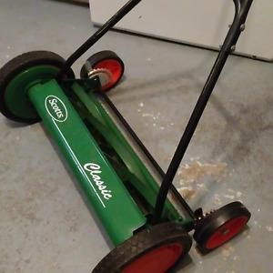 motorless push mower