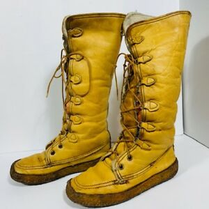 *BASTIEN BROS - mukluks  boots - size 8 to 8.5 US*