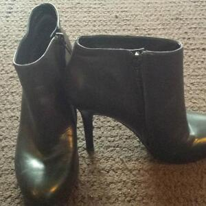 REDUCED~Gently Used Black Nine West Leather Boots For Sale!
