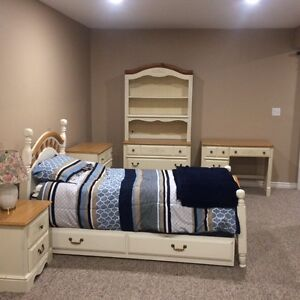 10 piece Solid wood Ashley bedroom set