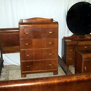 5 PIECE ANTIQUE BEDROOM SUITE