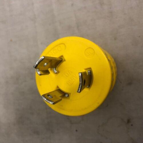 Marinco 30 amp 125 volt cord connector adapter