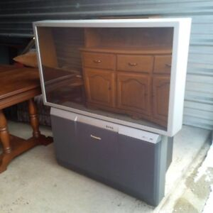 "2002 Panasonic 47"" Projection HDTV"