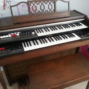 Yamaha Electone B-12SR piano organ. SALE!