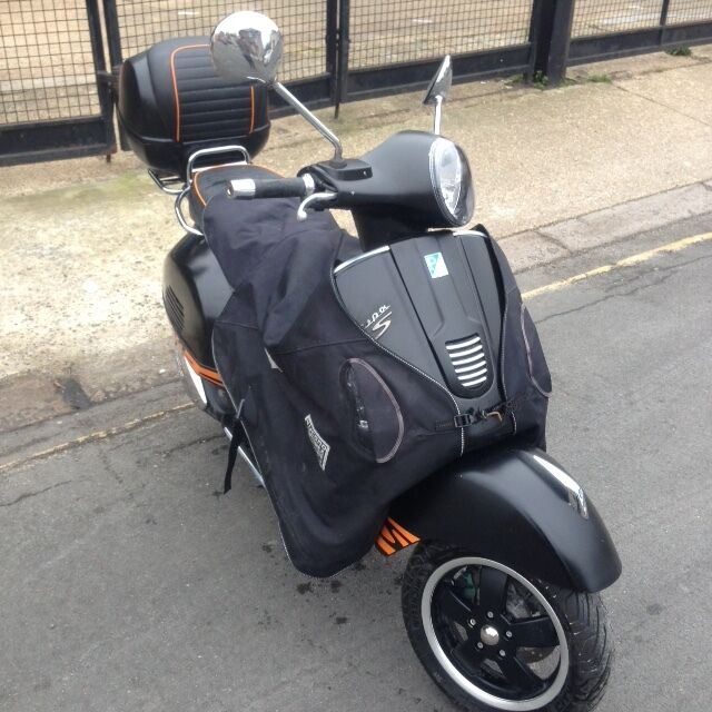 2014 piaggio vespa gts 300 gts300 super sport in black great condition in catford london. Black Bedroom Furniture Sets. Home Design Ideas