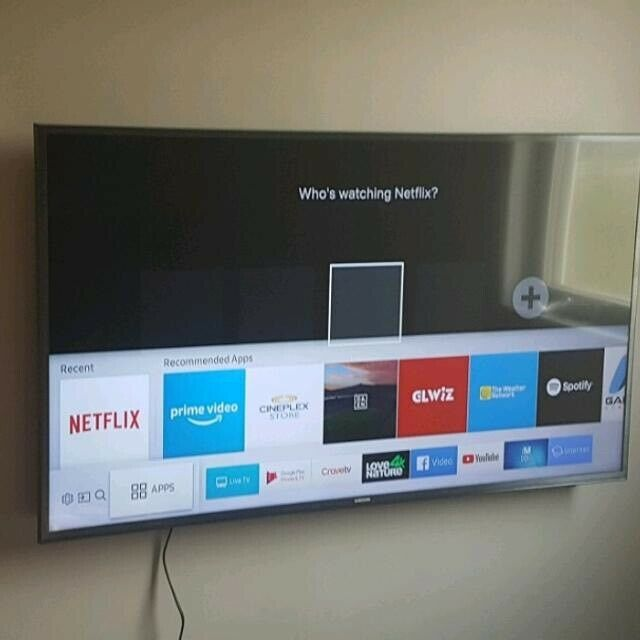 """4K Smart Samsung 40"""" Ultra Hd WiFi HDR led tv Freeview HD Youtube Netflix  Excellent Condition tv 