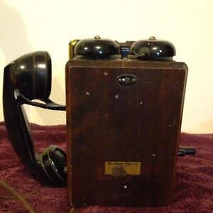 Antique Northern Electric wall phone N717CG