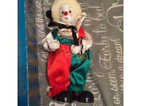 Pot clown in as new condition with wind up music with original box